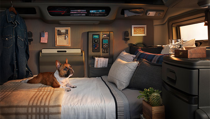 2018 Volvo Vnl 740 Mid Roof Long Haul Sleeper Truck Walkaround Sia Magazine