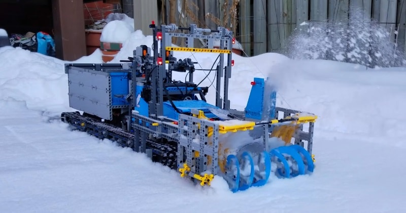 14a41310f87f76 Lego Snowblower- awesome working machine. Modified Lego Tow truck with  tracks and custom made Snowblower now is ready for snow.