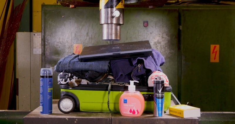 How to Pack a Suitcase with Hydraulic Press – Suitcase Vs Hydraulic