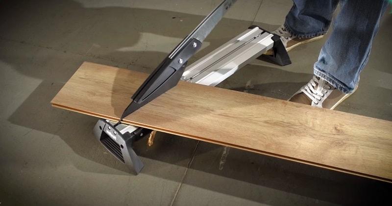 Amazing Creative Construction Worker Installing Laminate Flooring