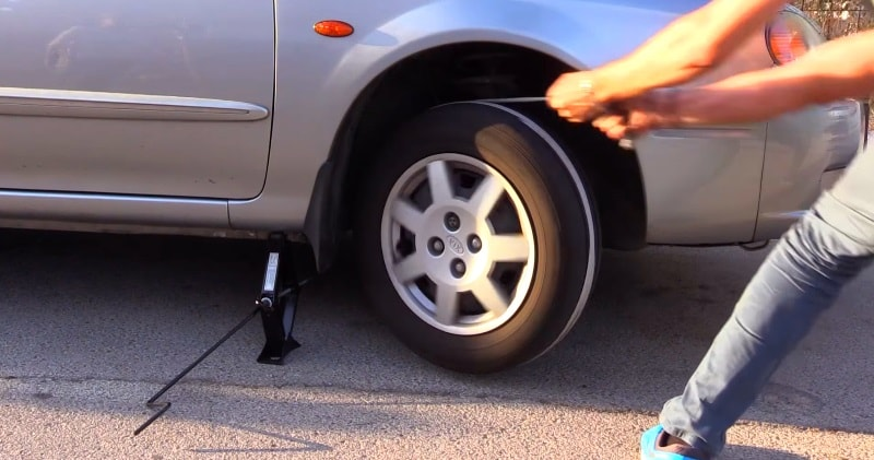 How To Get My Car To Start Without Jumper Cables