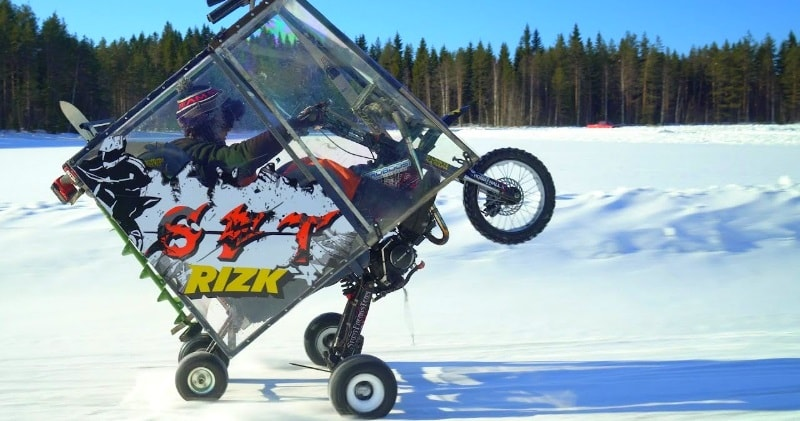 Stunt Freaks Team – EPIC WINTER MOPED Project | Sia Magazin
