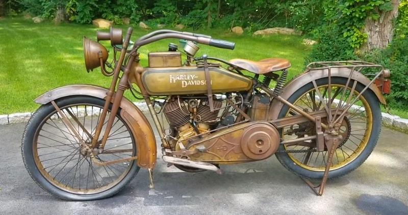 Harley Davidson: A Vintage 1918 Harley-Davidson J Model V-Twin Classic