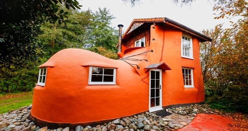 The Fairytale Tiny House Shaped Like A Shoe | Sia Magazin