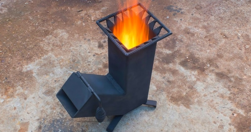 In this tutorial I demonstrate how to build a simple rocket stove which is great for camping or use on a homestead.via//Sean Beardon
