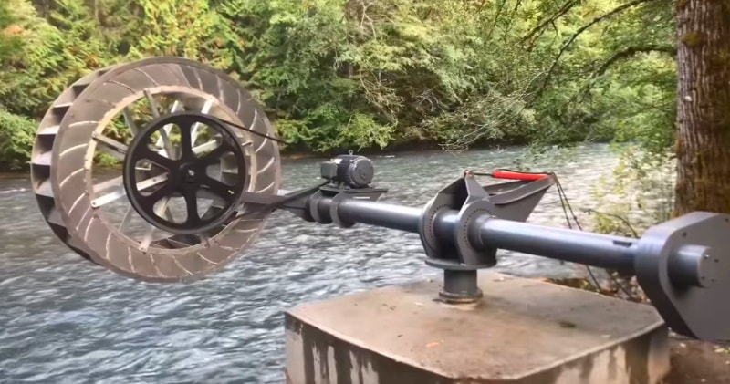 A 7.5 kW Prototype Poncelet Waterwheel With Maximum Power At 50 RPM