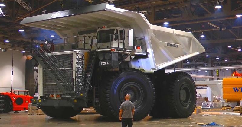 World's Largest Dump Truck >> The Liebherr T 284 The Largest Dump Truck In The World With