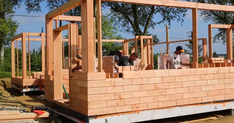 Building Eco-Friendly Houses With LEGO-Like Wooden Bricks | Sia Magazin