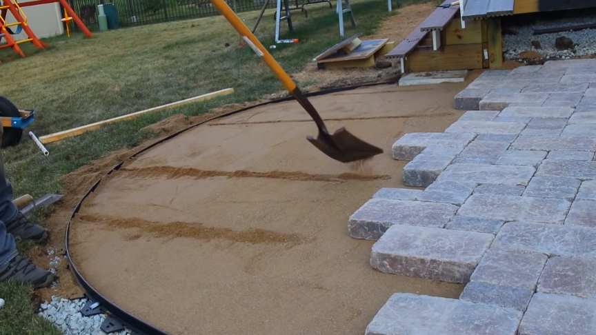 Paver Patio With Curves And Border Diy